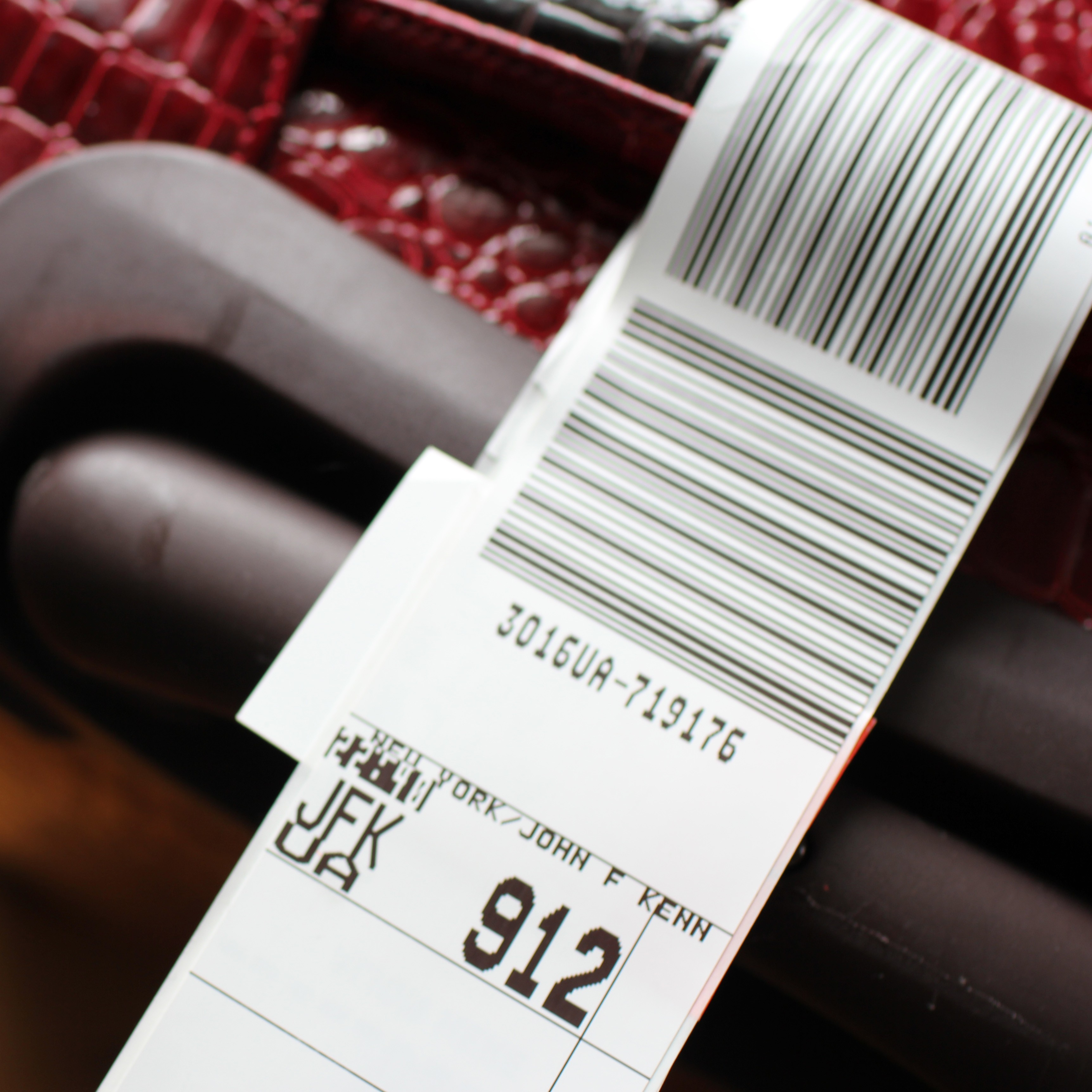 baggage tag | aktually